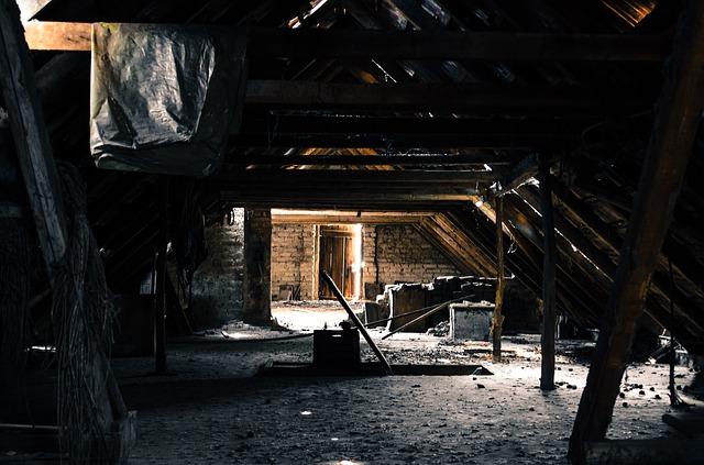 attic-112269_640.jpg